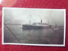 PAQUEBOT ANGERS REMORQUEUR AU PORT DE COLOMBO PHOTO 11 X 6 - Barche