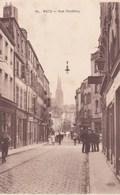METZ - MOSELLE -  (57)  - CPA ANIMÉE - LA RUE DU PONTIFFROY . - Metz