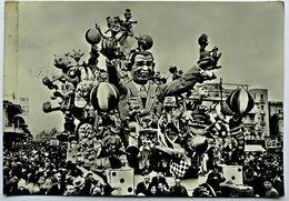 """VIAREGGIO - Carnevale 1957, Corso Mascherato, """"L'Amico Degli Animali"""" (Discreto Stato, Bordo Sinistro Rovinato, Da Scan) - Viareggio"""
