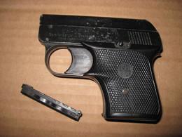 Ancien Pistolet D'alarme Allemand Calibre 6 Mm E M G E - Armes Neutralisées