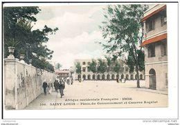 Saint Louis Senegal Place Du Gouvernement Et Caserne Rogniat Cpa Bon Etat - Senegal
