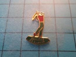 Pin610e Pin's Pins : BEAU ET RARE :  SPORT DE MEDECIN GLANDEUR : LE GOLF BELLEME ST MARTIN ORNE  , Marquage Au Dos : - - - Golf