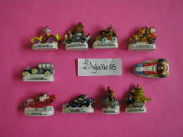 Série Complète De 10 Fèves En Porcelaine - LES FOUS DU VOLANT 2006 ( Feve Miniature ) - Cartoons