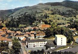 68 - ST AMARIN : Vue Générale Aérienne Et C.E.G. ( Collège Ecole ) - CPSM Dentelée Grand Format - Haut Rhin - Saint Amarin