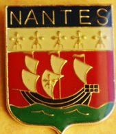 AA 207)..BLASON.....NANTES...Chef-lieu Du Département De La Loire-Atlantique Et Préfecture De La Région Pays De La Loire - Cities