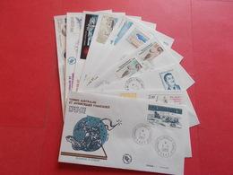 TERRES AUSTRALE 1 Lot D'enveloppes 1er Jours De L' Année 1983 - Stamps