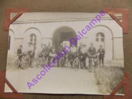 1926 Scout Scoutisme Guerande Les Campeurs à Velos Dans La Cour Du Petit Seminaire - Personnes Anonymes