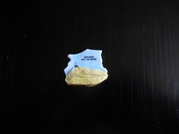 85 - FEVE SICARD 2003 BRILLANTE - TOUR MELUSINE - VOUVANT - PUZZLE - Regions