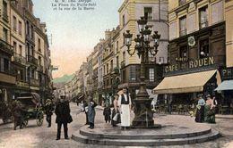 76 DIEPPE - La Place Du Puits-Salé Et La Rue De La Barre - Très Animée - Couleur - Café De Rouen... - Dieppe