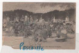 CP ANIMEE AFRIQUE OCCIDENTALE FRANCAISE - UN MARCHE INDIGENE - - Postales