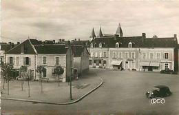 P-18-T-191 : LEVROUX. PLACE DE LA REPUBLIQUE. - Autres Communes