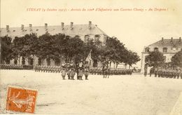 STENAY (9 Octobre 1913) -- Arrivée Du 120e D'Infanterie Aux Casernes Chazy -- Au  Drapeau ! - Stenay