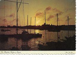 THE HAMILTON HARBOUR SKYLINE IN THE SUNSET 1975 BATEAUX - Bermudes