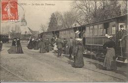 28  LEVES  La GAre Des Tramways  Train Animation - Lèves