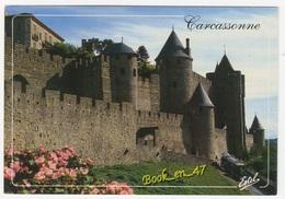 {76384} 11 Aude Cité De Carcassonne , Le Petit Train Sous Les Fortifications De L' Entrée Occidentale - Carcassonne