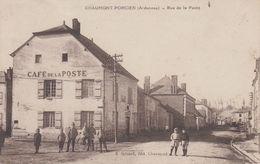 CPA Chaumont-Porcien - Rue De La Poste (avec Jolie Animation) - France