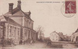 CPA Chaumont-Porcien - Hôtel De Ville (avec Petite Animation) - France