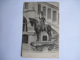 CPA 60 CHATEAU DE PIERREFONDS Statue De Louis D'Orléans, Par Frémiet 1906 T.B.E. - Pierrefonds