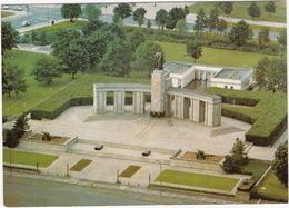 Berlin - Sowjetisches-Ehrenmal / Soviet-Memorial - Treptow