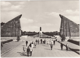 Berlin - Sowjetisches-Ehrenmal Treptow / Soviet War Memorial - (D.D.R./G.D.R.) - Treptow