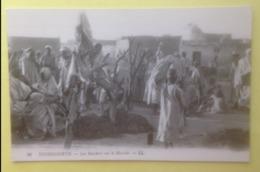 TOUGGGOURTH - ALGERIE - LES BOUCHERS SUR LE MARCHE - N° 26 - Algérie