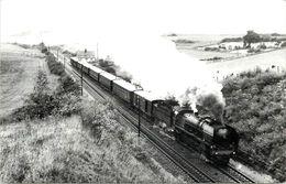 SNCF - Train Express 402 à Marchezais,Broué, Photo Dahlstöm Format Carte Ancienne En 1966. - Trains