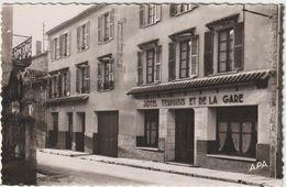 VILLEFRANCHE-DE-ROUERGUE  Hôtel Terminus Et De La Gare (CPSM 14x9cm Env.) 2 Scans - Villefranche De Rouergue