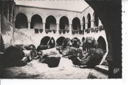 TUNISIE - ILE DE DJERBA  - Cour Intérieure Dans Une Maison Arabe - Tunisia