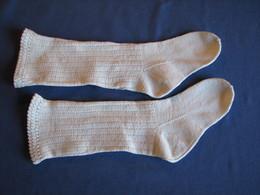 157/8 - 2 Paires De Chaussettes Enfants, Tricotées En Coton - 1900-1940