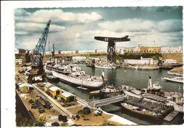 BREST - N°4610 édition B.E.B. - Années 60 - Le Croiseur école Jeanne D'Arc Dans L'Arsenal - Brest