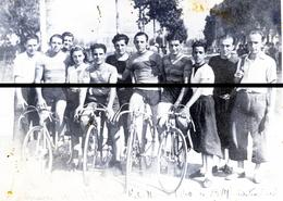 EQUIPE CYCLISTE AU FNO  1940 Photo  LE 25 KM FORMA 13 X 18      DD D - Cyclisme
