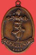 ** MEDAILLE  ST. PAULI  GIRL  -  BEER ** - France