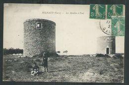 Gard. Milhaud. Les Moulins à Vent - France