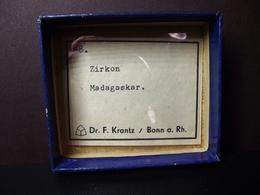 Old Dr. F. Krantz Collection 'Zirkon' ( 3 X 1 Cm) - Madagascar - Minerals