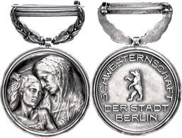 1198 Abzeichen Der Schwesternschaft Der Stadt Berlin, Tragbare Medaille, Leichte Randfehler, Zustand II.  II - Army & War