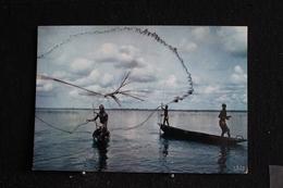 An-4 / L'Afrique En Couleur - Pêche Au Filet  - Éditions  HOA-QUI ( Échantillon Collection )  / Circulé - Cartes Postales