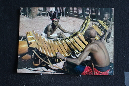 An-10. / L'Afrique En Couleur - Joueurs De Balafon - Éditions  HOA-QUI ( Échantillon Collection )  / Circulé - Cartes Postales