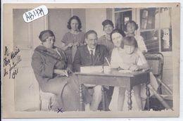 PORNICHET- CARTE-PHOTO- REDACTION D UNE CARTE POSTALE- EN FAMILLE- VILLA KER-MARIE 1921 - Pornichet
