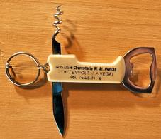PORTE CLEF DECAPSULEUR COUTEAU TIRE-BOUCHON BOUCHERIE CHARCUTERIE M. M. PRIVAS PONT EVEQUE LA VEGA - Key-rings