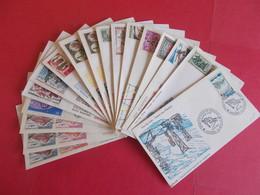 ANDORRE  1 Lot D'enveloppes 1er Jours De L' Année 1961/62/63/63/66/67/68/70/76/77 - Stamps