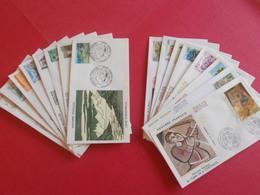 ANDORRE  1 Lot D'enveloppes 1er Jours De L' Année 1986 Et 1987 - Stamps