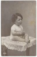 Little Girl On Table- 1921,  Danmark - Portretten