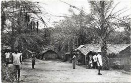 AFRIQUE  . A.E.F.     CONGO. VILLAGE BASSOUNDI - Brazzaville