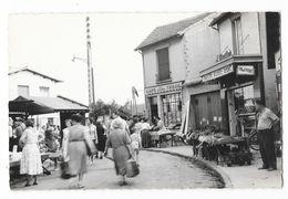Cpsm: 77 MITRY LE NEUF  (ar. Meaux) Place Centrale (Marché, Café Tabac, Boucherie Charcuterie J. Moutier) N° 43 (rare) - Mitry Mory