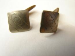 MW. 174. Boutons De Manchettes - Jewels & Clocks