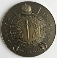 Médaille. Union Nationale Des Officiers Invalides De Guerre. XXVe Anniversaire. 70mm  - 134 Gr - Belgium