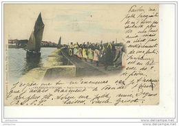 LES SABLES D'OLONNE SUR LE CHEMIN DE HALAGE CARTE COULEUR 1902  BON ETAT - Sables D'Olonne