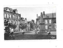 61 - ST CORNIER DES LANDES : La Place Centrale, - France
