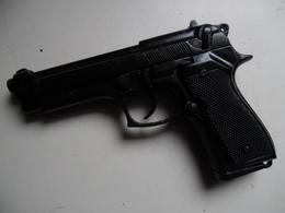 PISTOLET BERETTA DENIX - Decorative Weapons