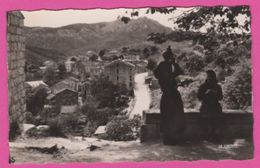 Corse (2A) -  LEVIE Vue Sur Le Village  2 Femmes Bavardant - France